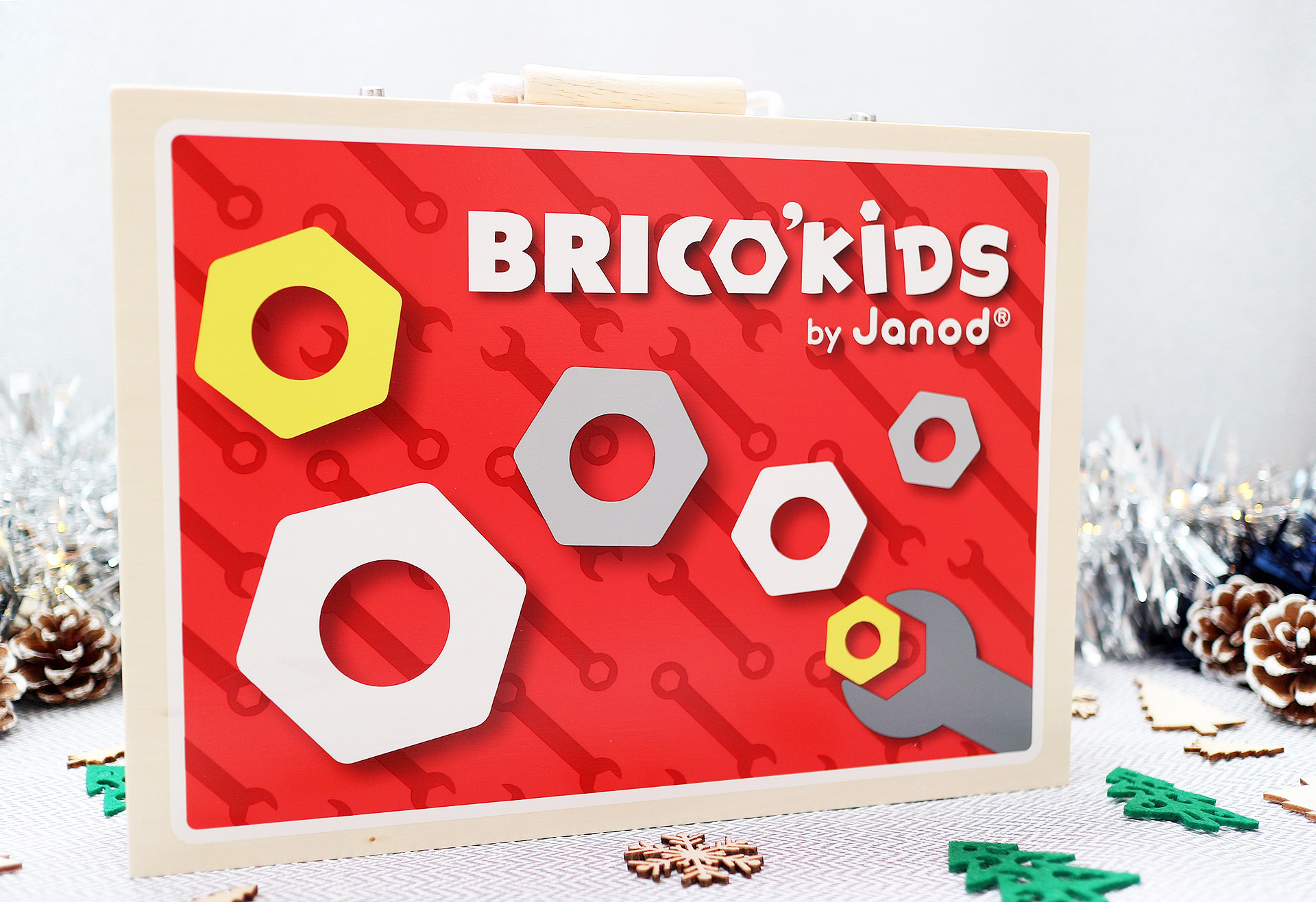 Janod kids DIY toolbox - wooden toy gift set - Christmas gift guide
