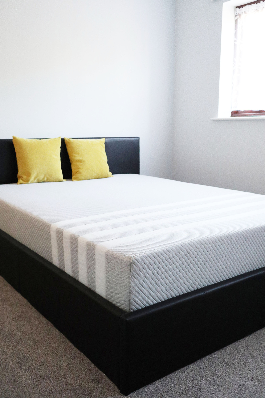 Leesa mattress, in kingsize, shown on a bedframe