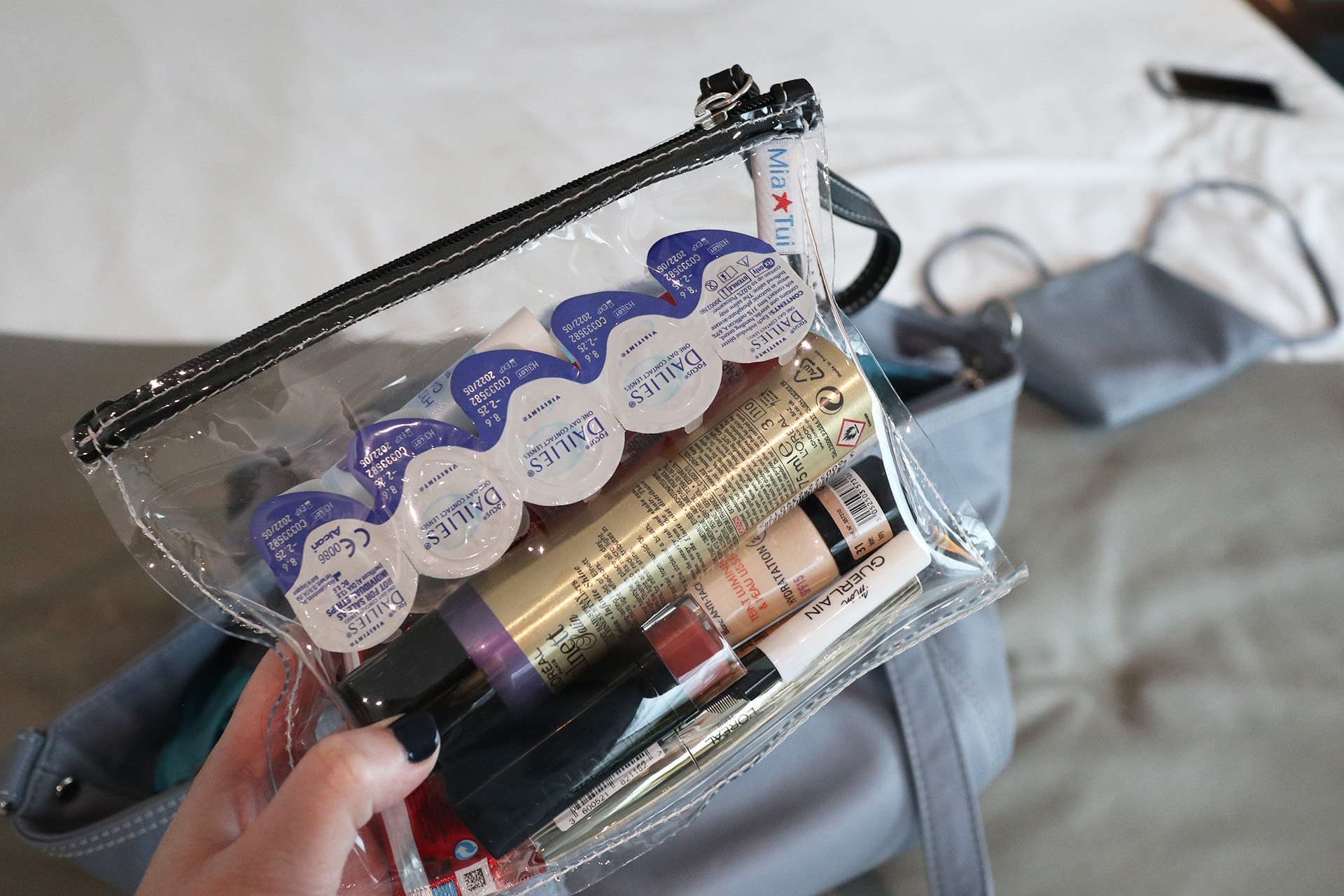 The Mia Tui Jennie comes with this integrated clear bag, perfect for liquids if flying