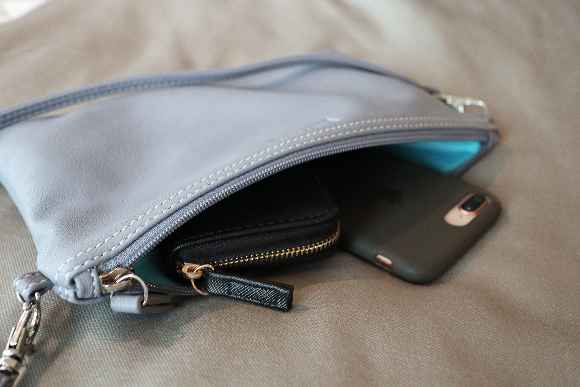 The Mia Tui Jennie also comes with this matching clutch bag, with a cross-body strap